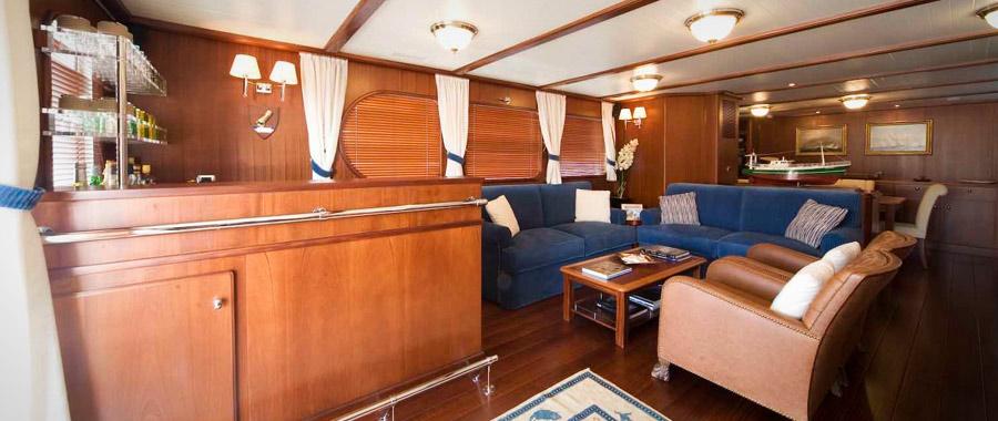 essence de bois int rieur de cabine de bateau essarbois. Black Bedroom Furniture Sets. Home Design Ideas